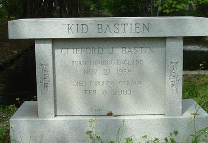 kid bastien tomb